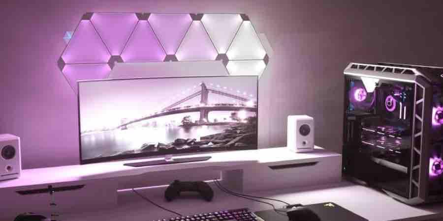 Creación de escenarios de luz en tu set up gamer, paneles led rgb gamer, paneles led rgb triángulos,